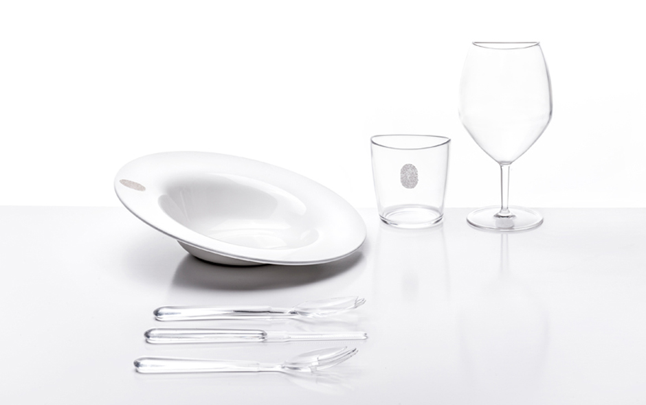 5/6 I.D.ish by chef Davide Oldani is made in bone white or bronze melamine and includes a dinner plate, soup plate, a slightly slanted plate, water and wine glasses.