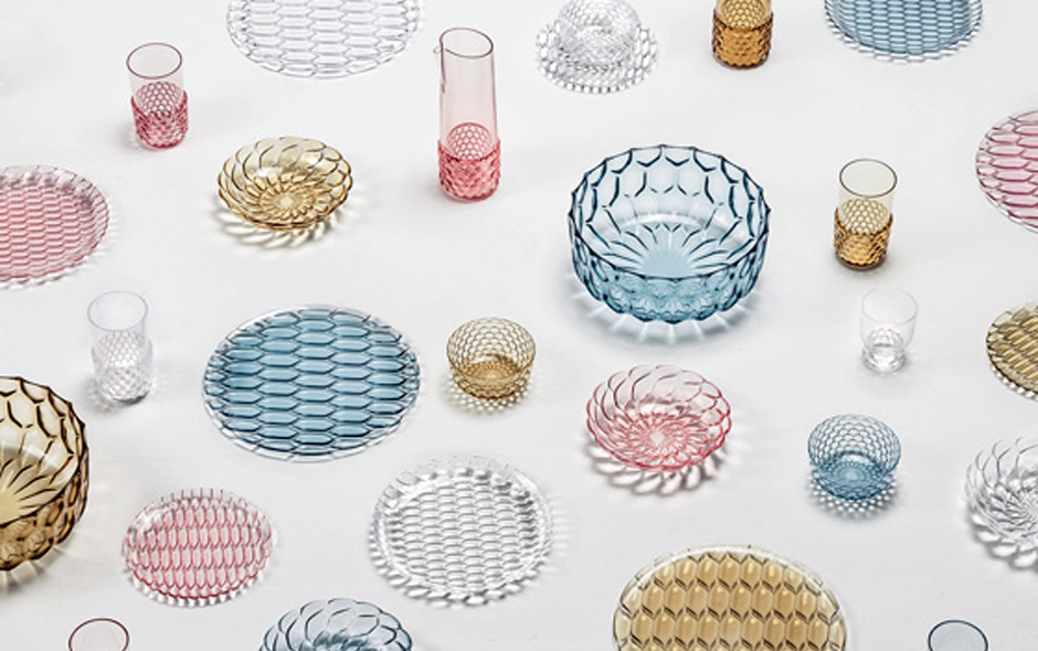 1/6 The 'Jellies Family' designed by Patricia Urquiola for Kartell.