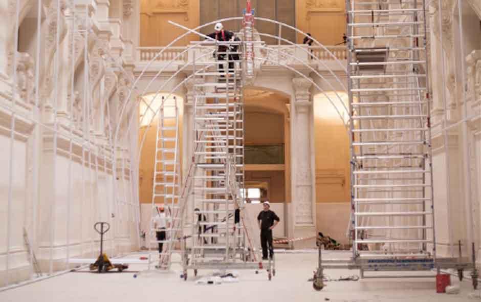 1/6 Installation of Momentané at Les Arts Décoratifs de Paris.