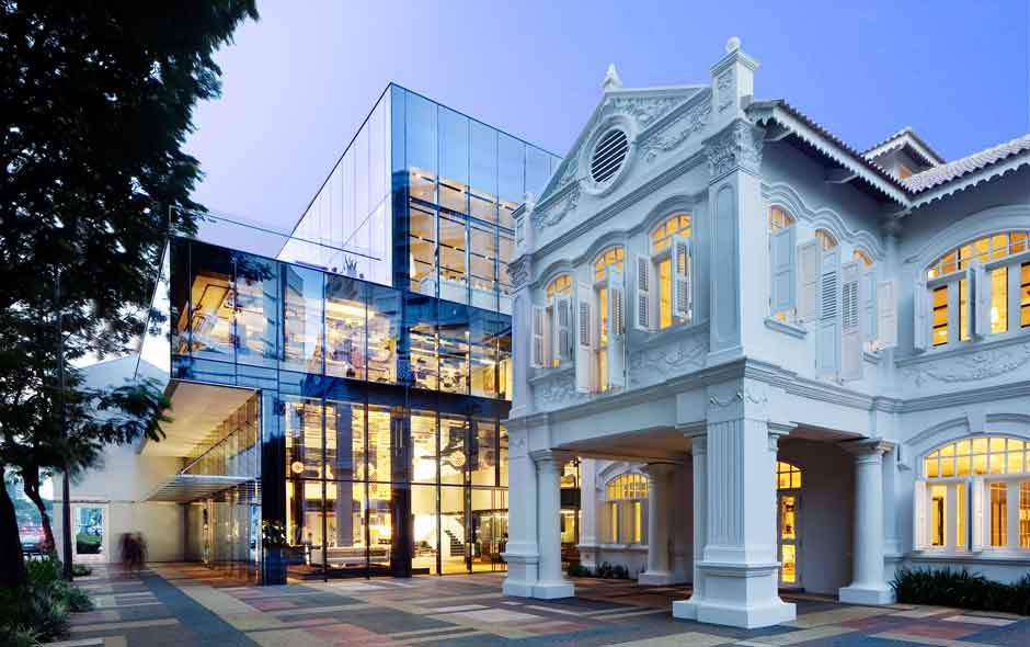 1/4 Designed by WOHA Architects, Space Asia Hub sensitively restores and adapts two conserved buildings, with the addition of a contemporary glass infill.