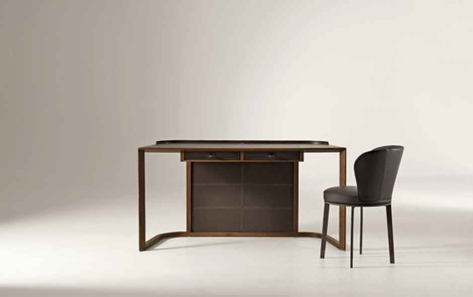 6/8 The finely crafted ION desk designed by Chi Wing Lo.