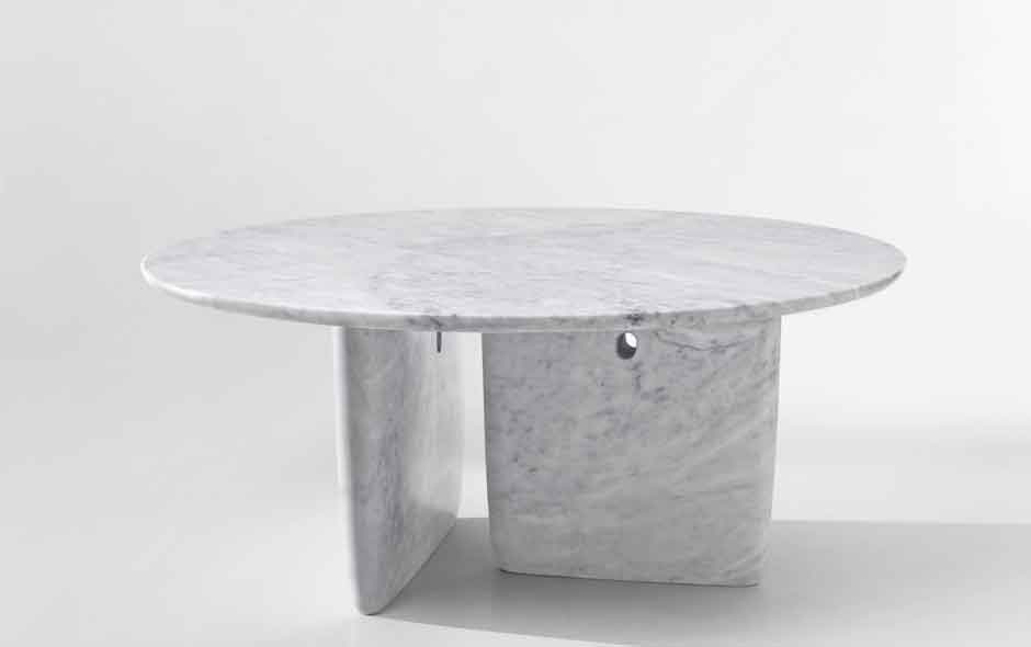 Tobi-Ishi in smooth white Carrara marble