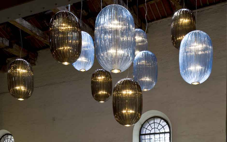 2/3 The majestic Plass lights designed by Luca Nichetto are an homage to the tradition of Murano glass.