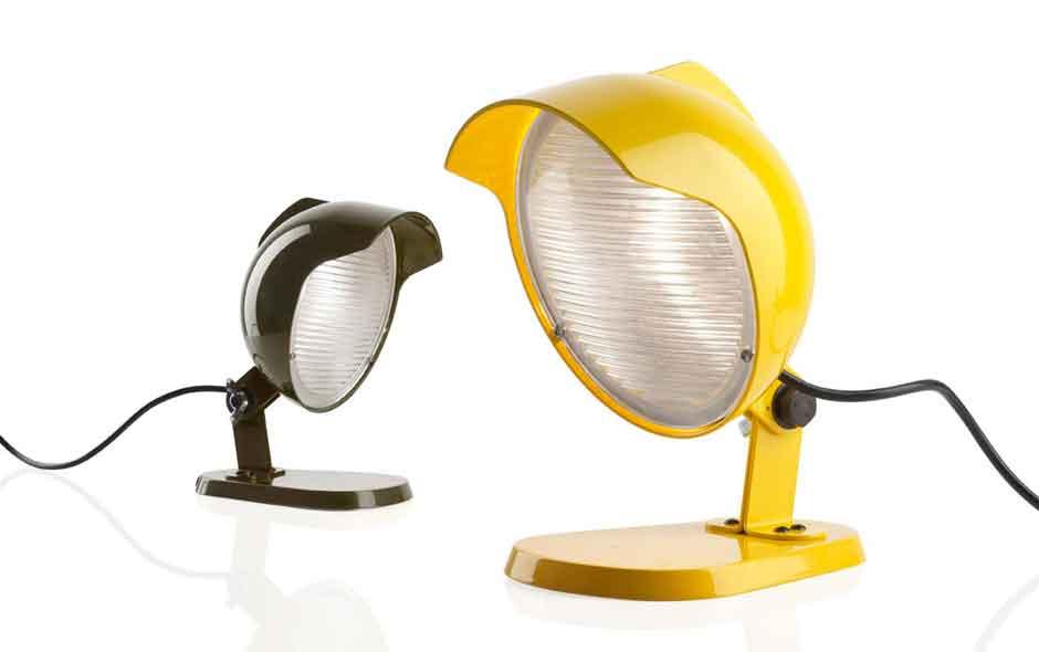 15/19 Foscarini's Duii light is a desk lamp with a pop meets industrial feel.