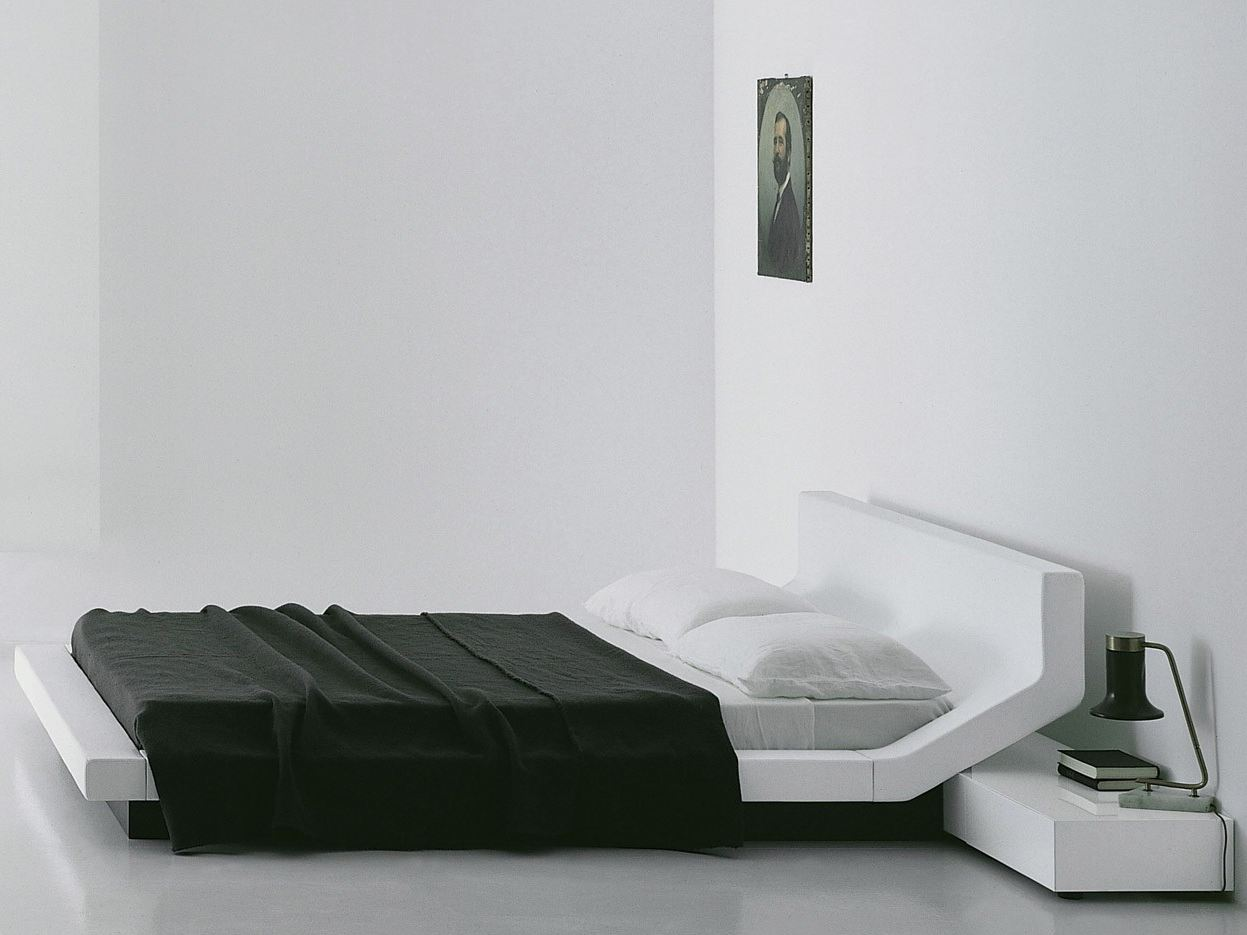The  Lipla bed by Jean-Marie Massaud for Porro .