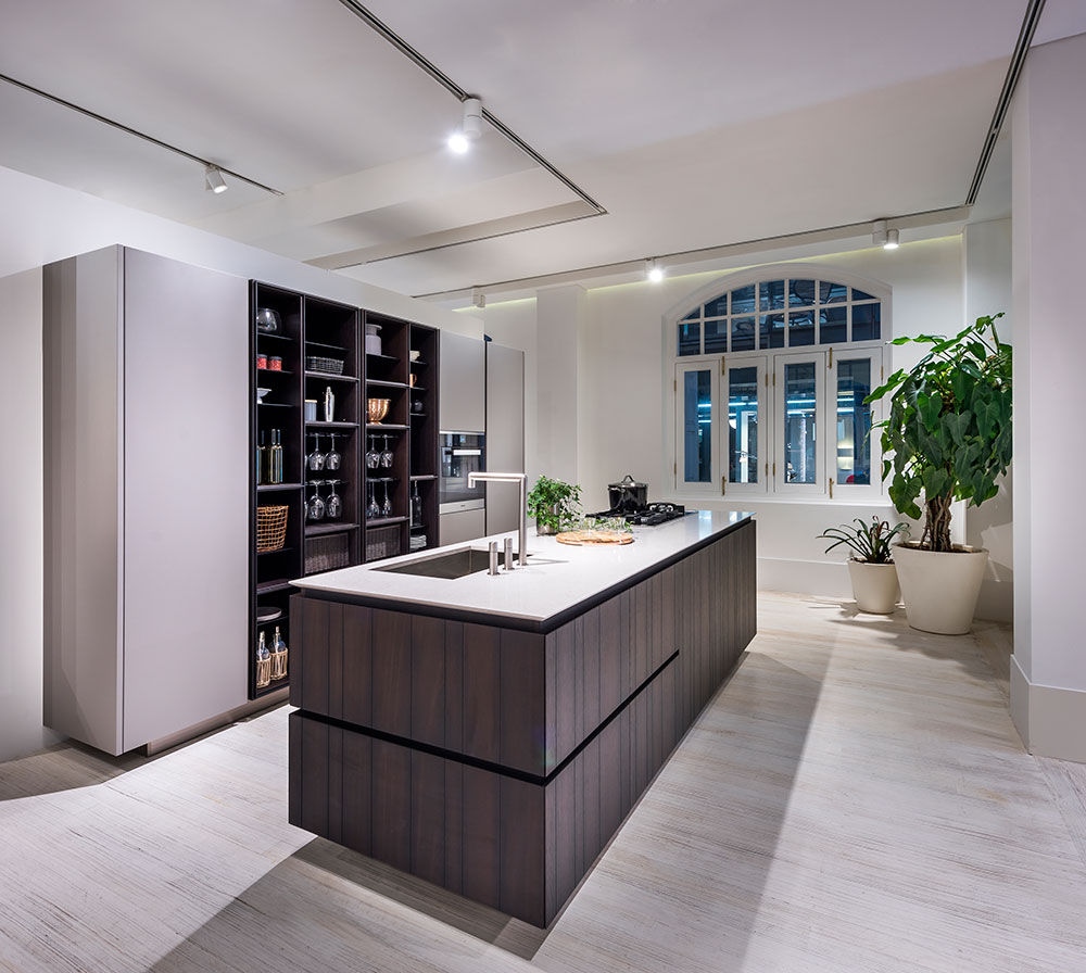 The  Varenna Kitchen Gallery  at Space Furniture Singapore.