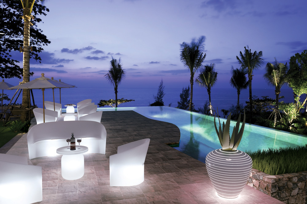 The Pine Beach collection is available with inner lighting.