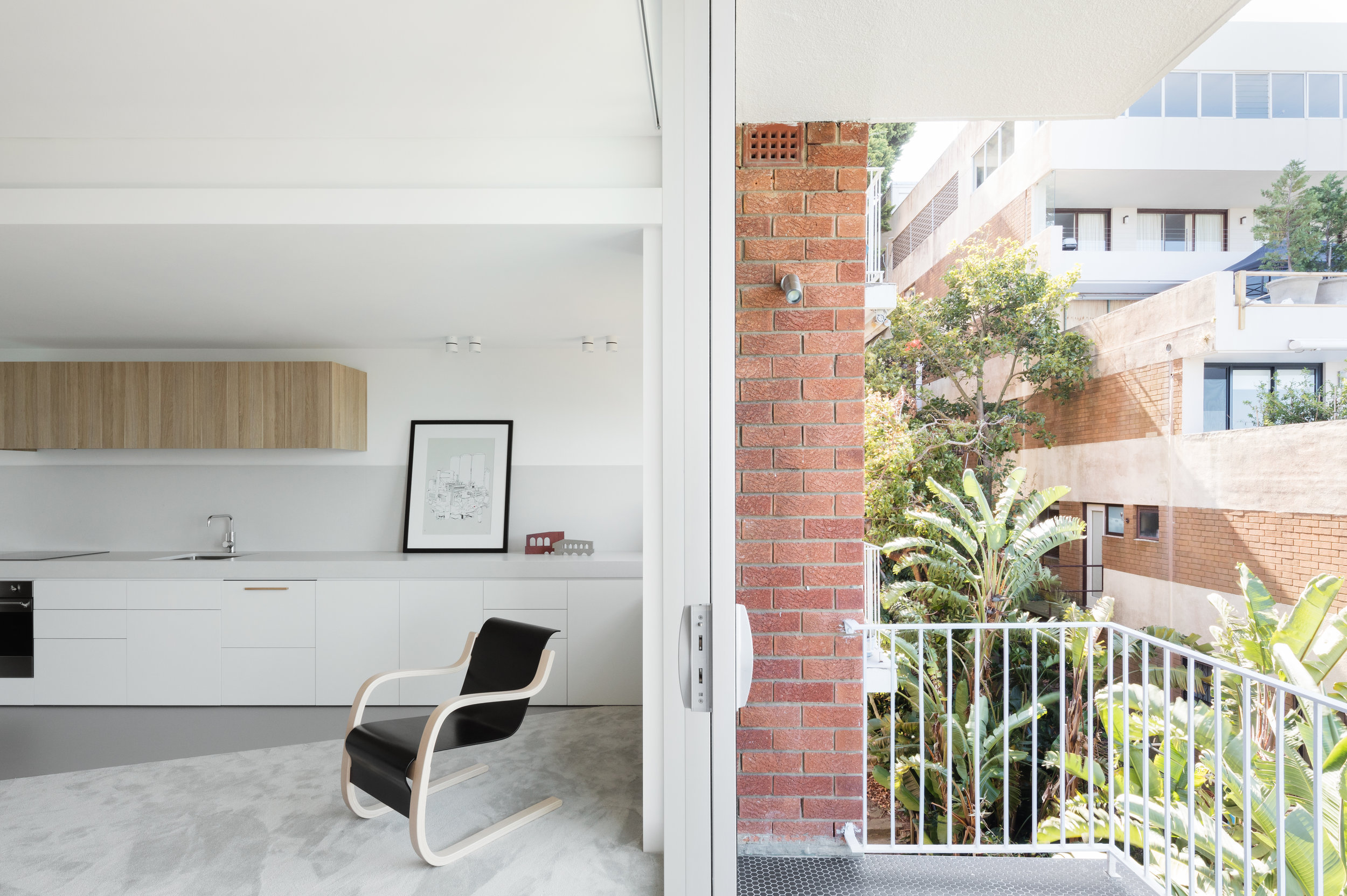 The Darling Point Apartment by Brad Swartz Architects won a High Commendation from the AIDA. Photo by Katherine Lu.