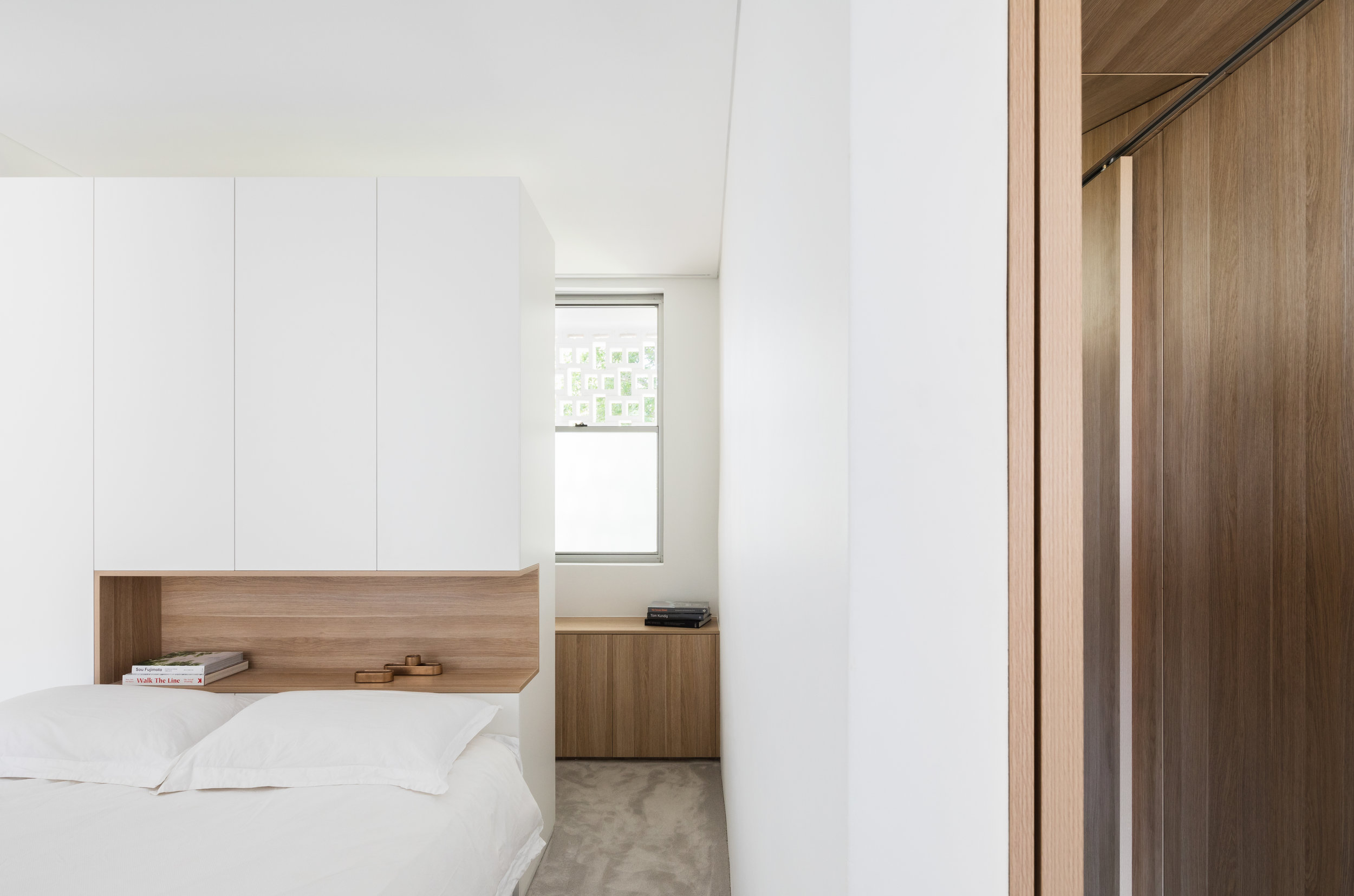 Joinery is the key,allowing clever articulation of form and function and enhancing the feeling of space.Photo by Katherine Lu.