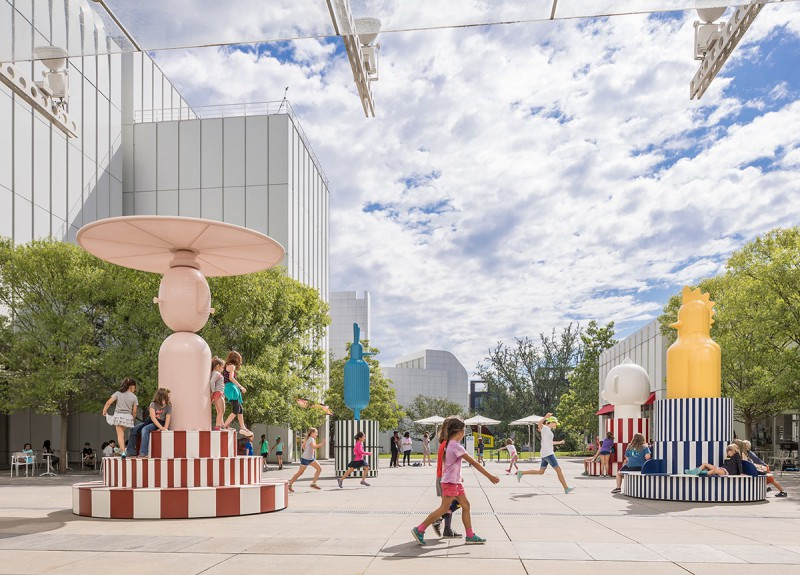 The High Museum of Art is animated by the outdoor Merry Go Zoo , Hayon's second commission for the Carroll Slater Sifly Piazza.