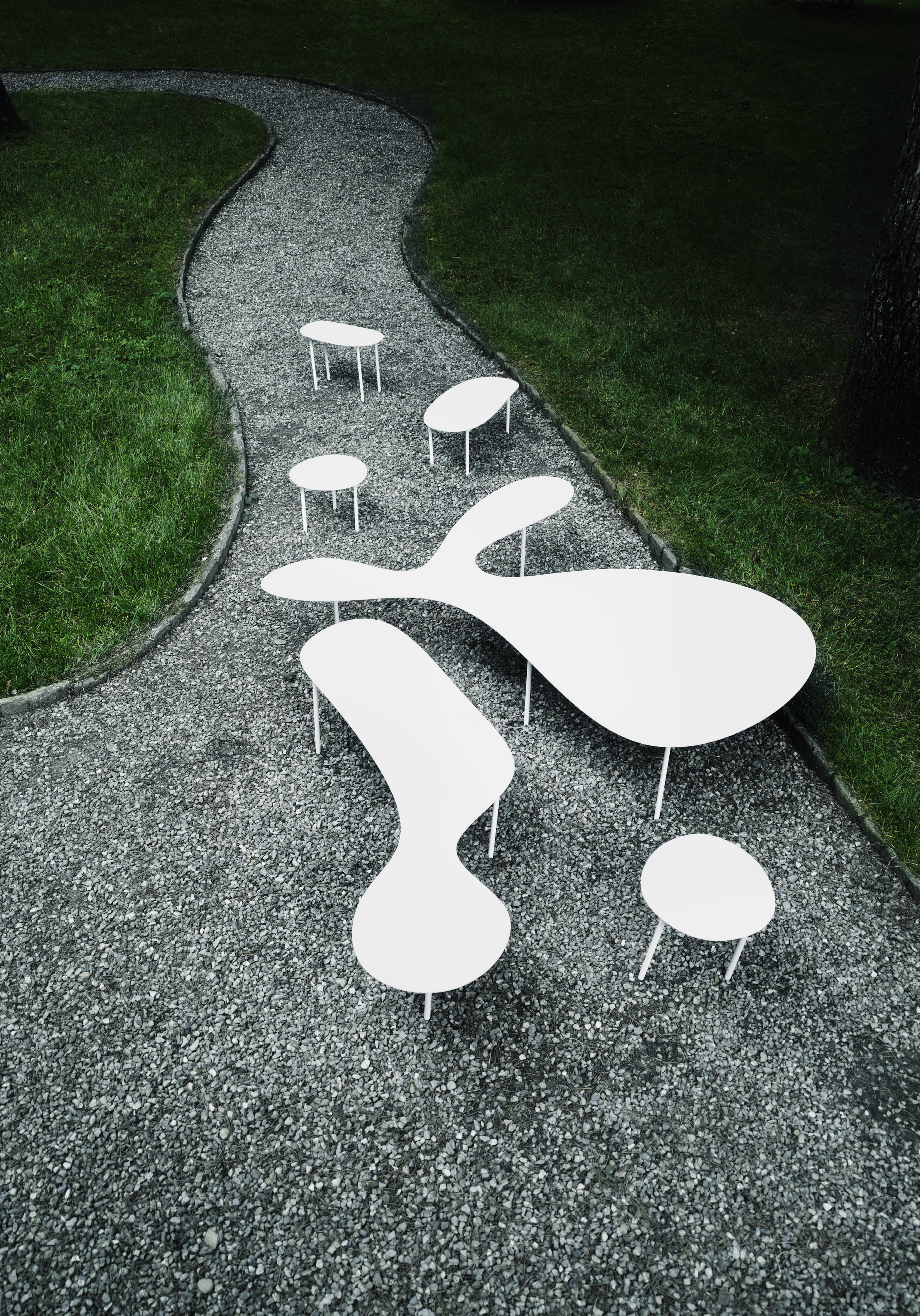Reminiscent of the work of American sculptor Alexander Calder, the Rabbit and The Tortoise collection for Living Divani is a series of fun and playful tables.