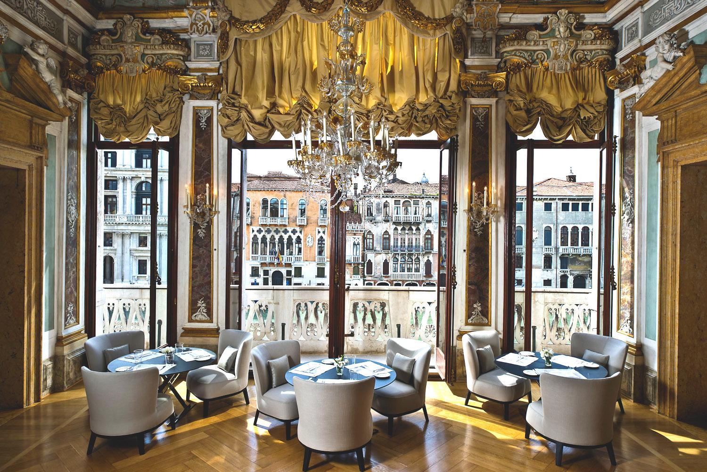 morespacemagazine-Aman-Canal-Grande-Venice-LivingRoom1.jpg
