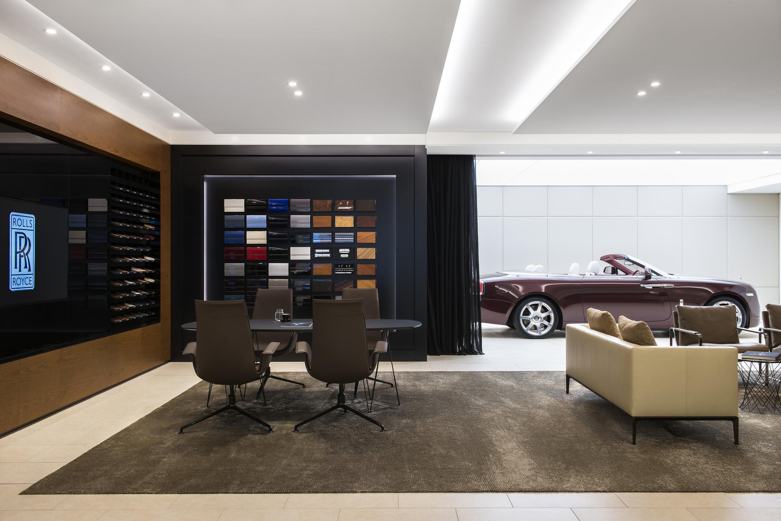 Rolls_Royce_Retail_1.jpg