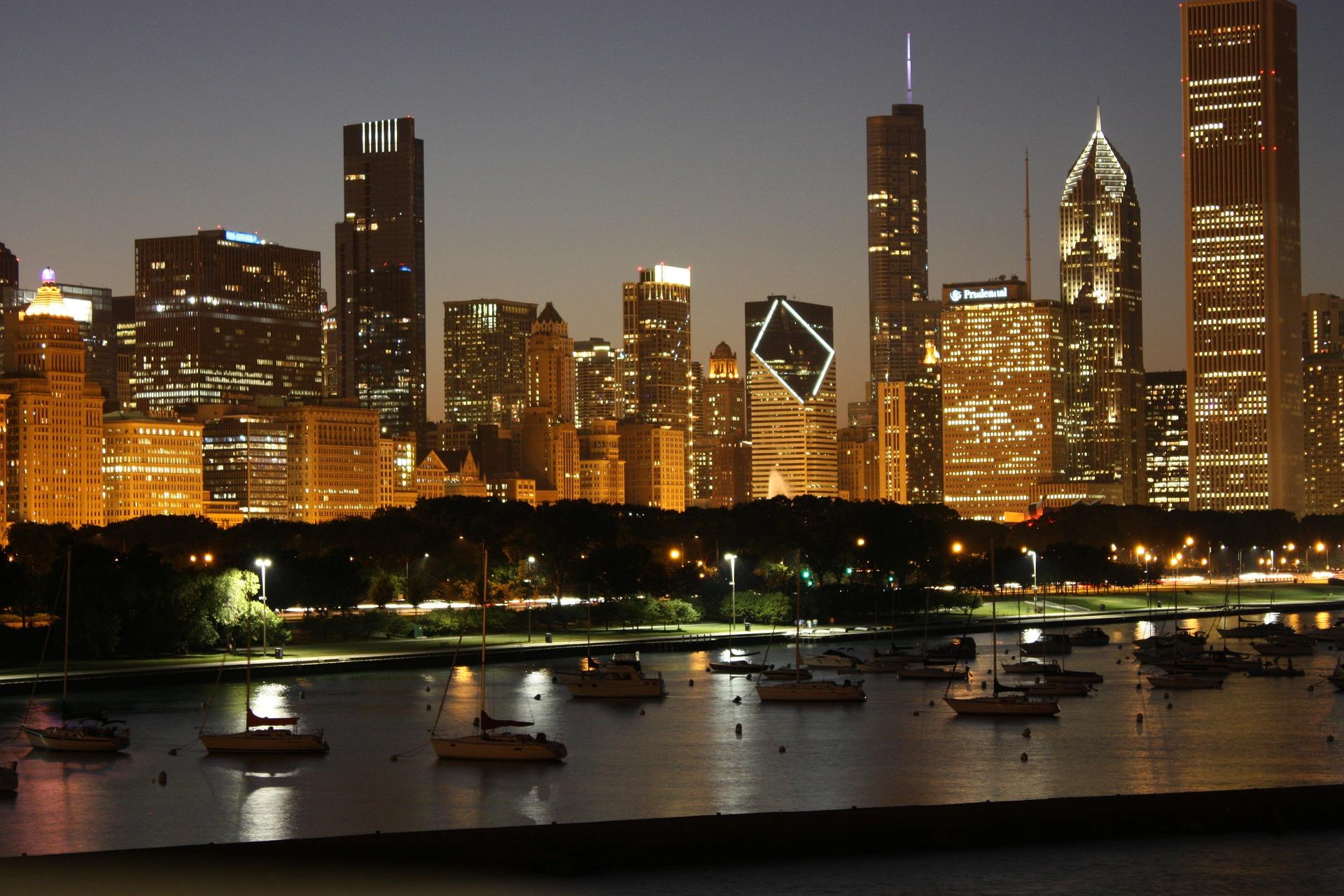 city-skyline-599801_1920.jpg