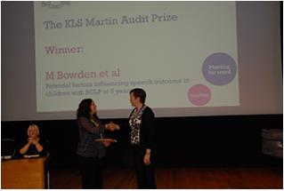 Melanie Bowden receiving Audit Prize 2015