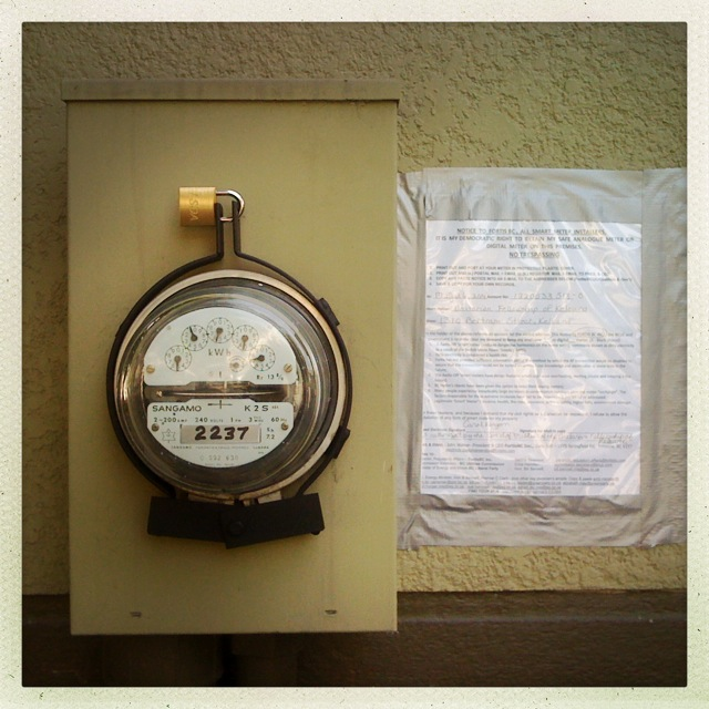 A newly-installed smart meter.. Image by  Justine Warrington via Flickr , shared with a  CC BY 2.0  license.