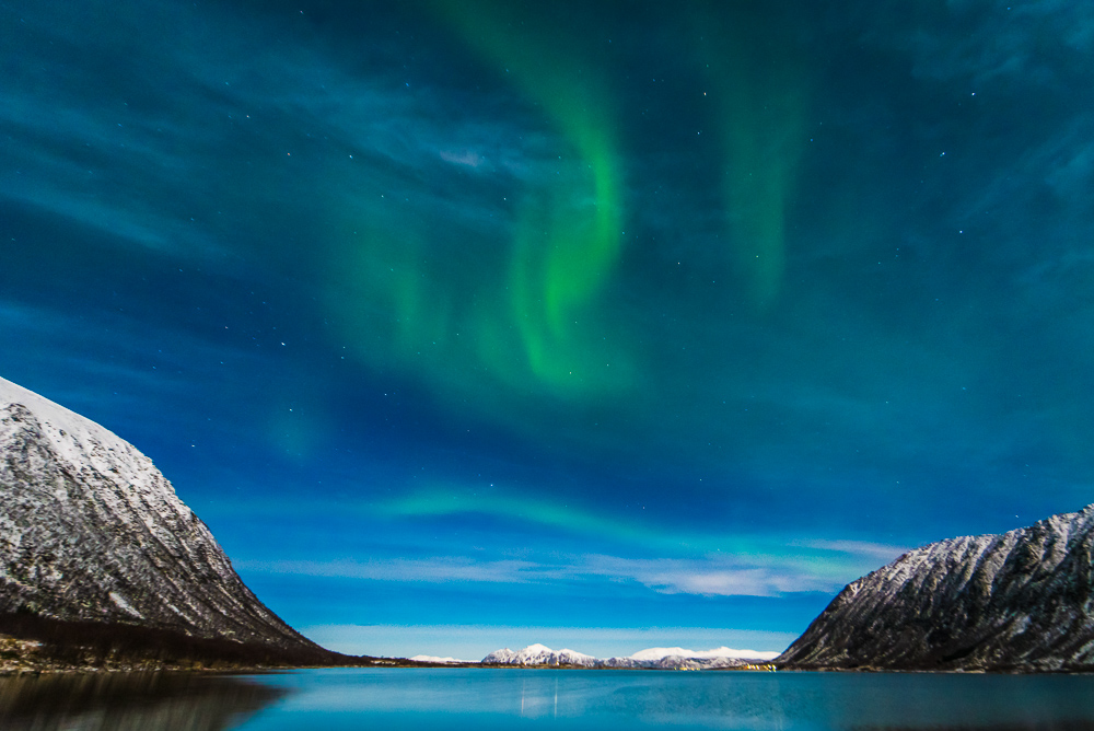 Stage 2 aurora, swirling patterns. Nikon D750, 15mm f/2.8, 2.5 sec, f/2.8, ISO 1600