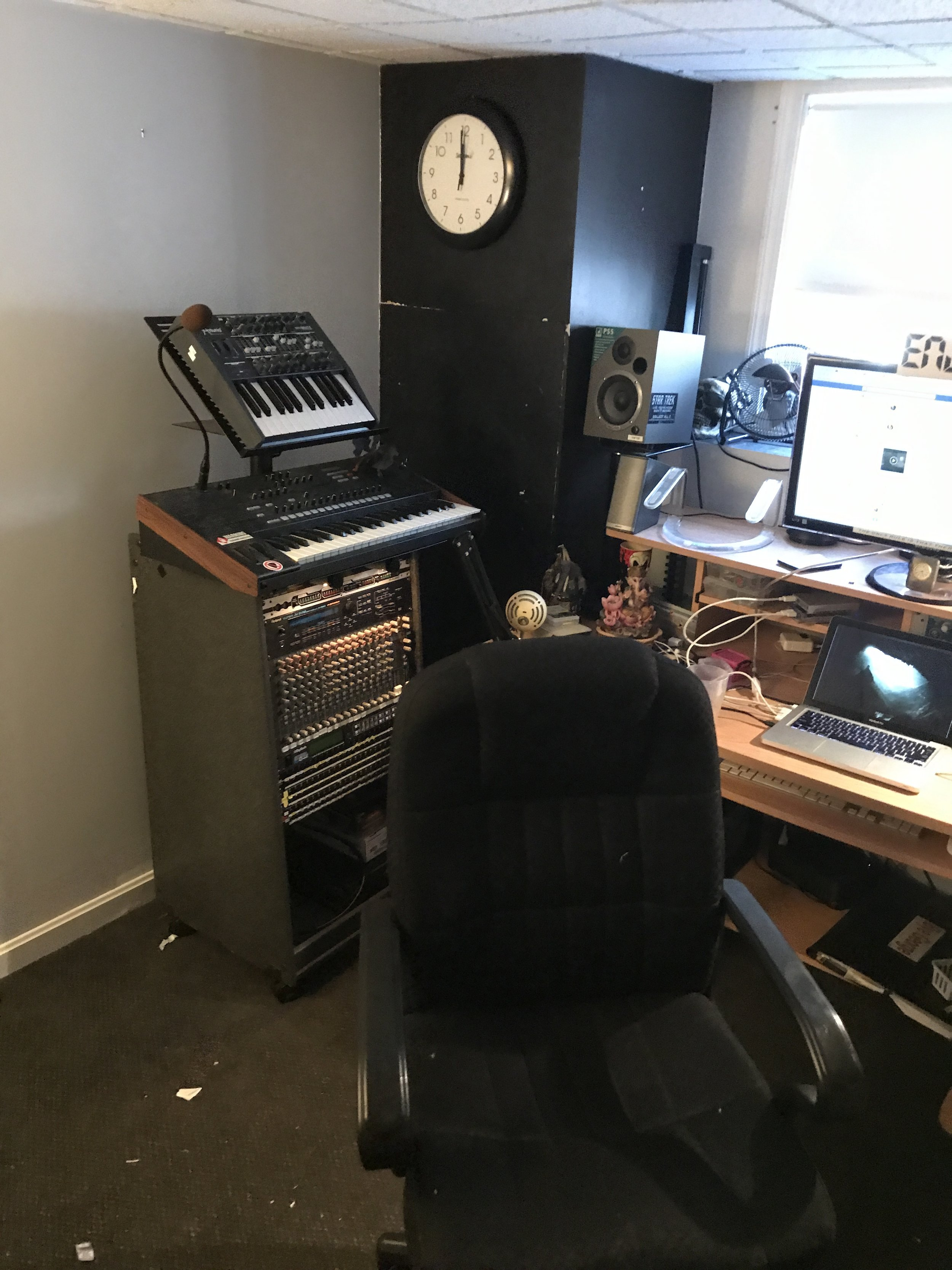 Desk and tower 2