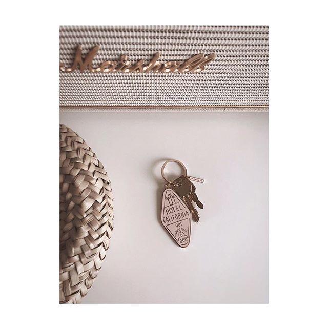 Love this pic by • @chezmadamerose . . . . . . #keyring #gold #brass #marshallheadphones #home #pink #myhome #vintage #homedecor #retro #hotelcalifornia #keys #chezmadamerose