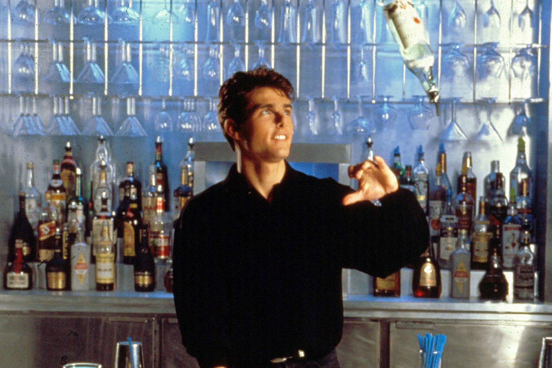 Hiring-Bartender-Mixologist-Craft-Cocktail