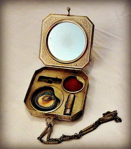 1920's  Vintage tango compact available from SilverFoxAntiques on etsy.com.
