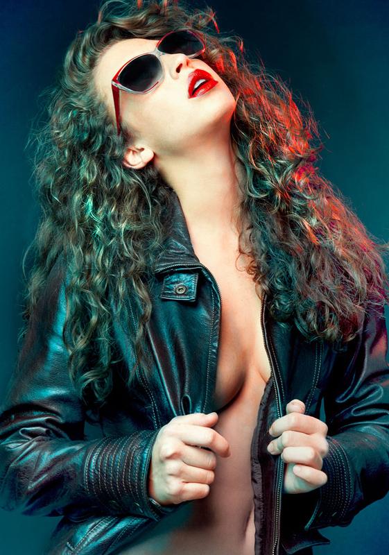studio-lighting0red-gel-leather-sexy-girl.jpg