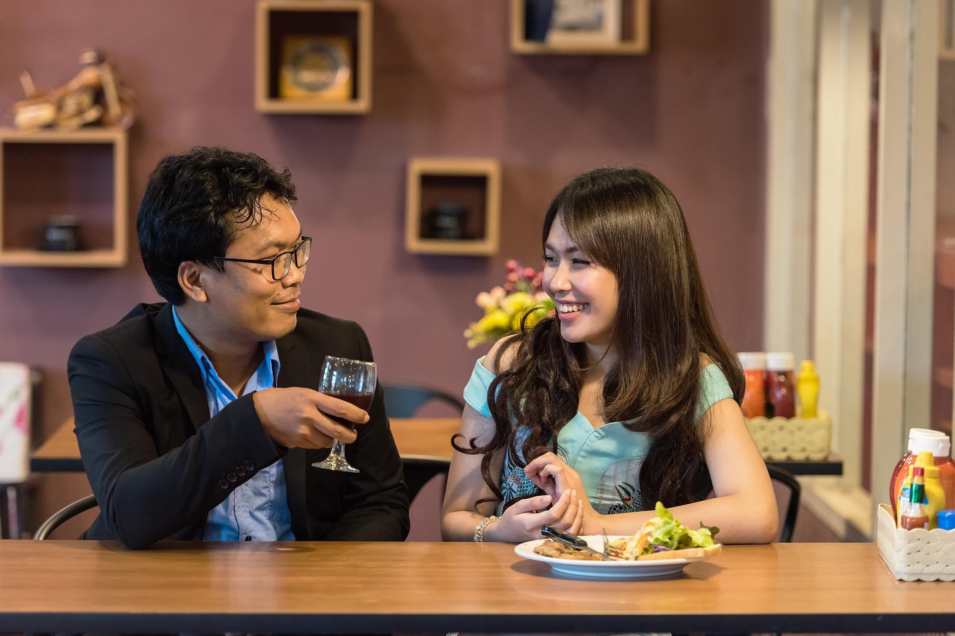 restaurant-1807617_1920.jpg