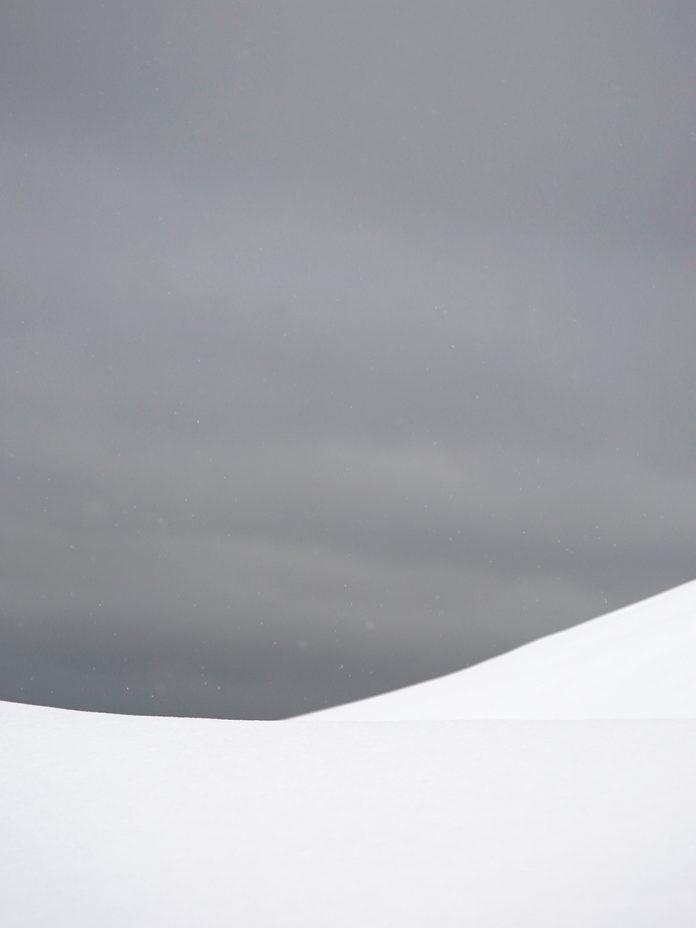 vol12_antarctica_landscape5-696x928.jpg