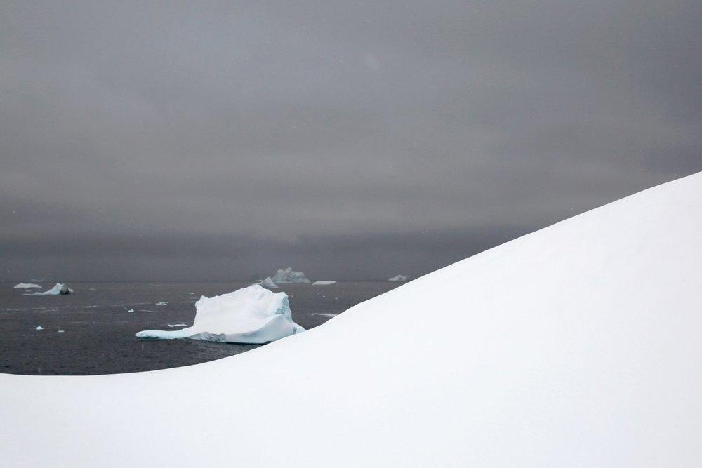 vol12_antarctica_landscape4-1455x970.jpg