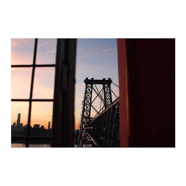 #NYC #newyork #street #streetstyle #brooklynbridge