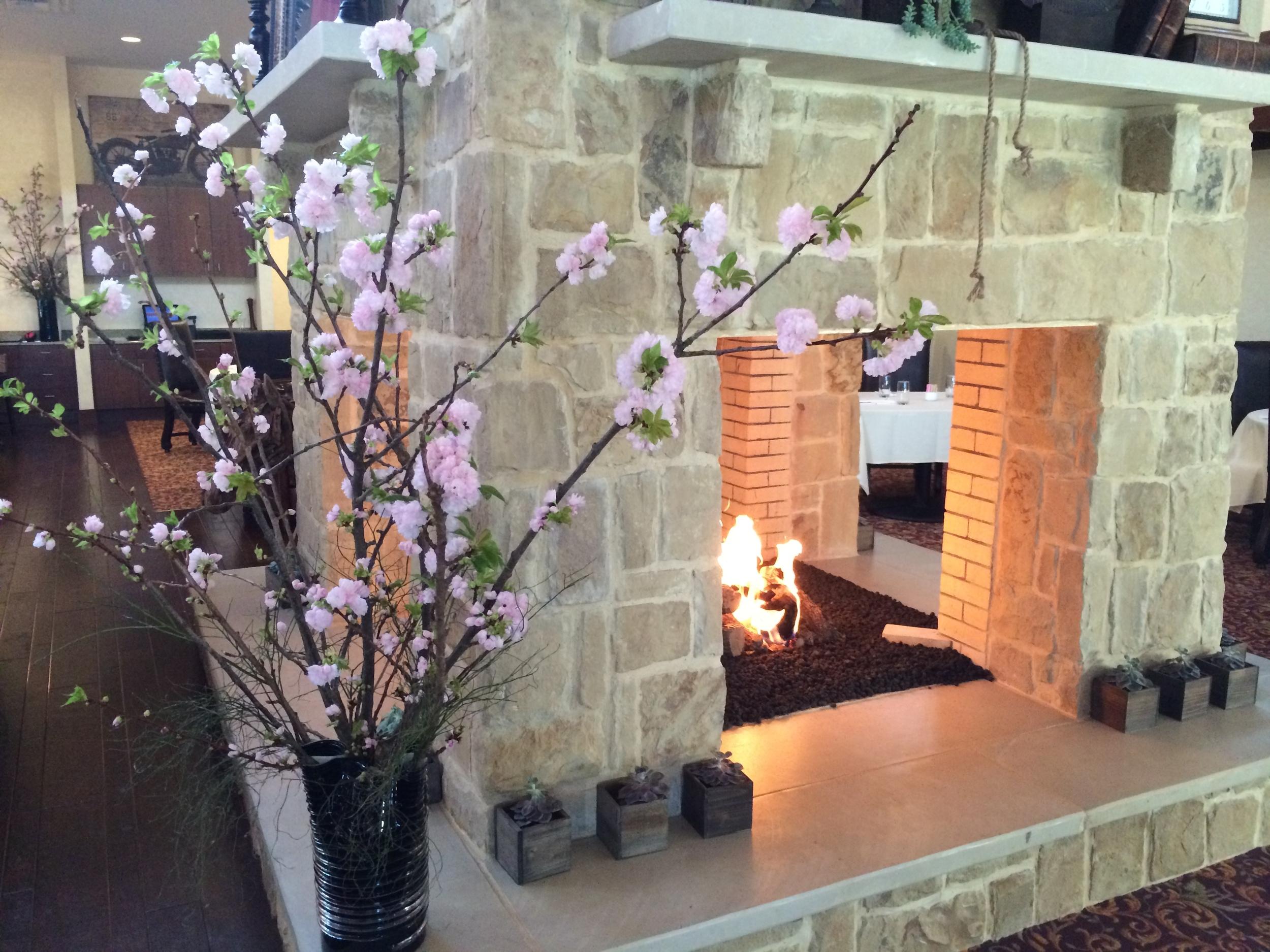 FGC-VIP-Fireplace-Flowers.JPG
