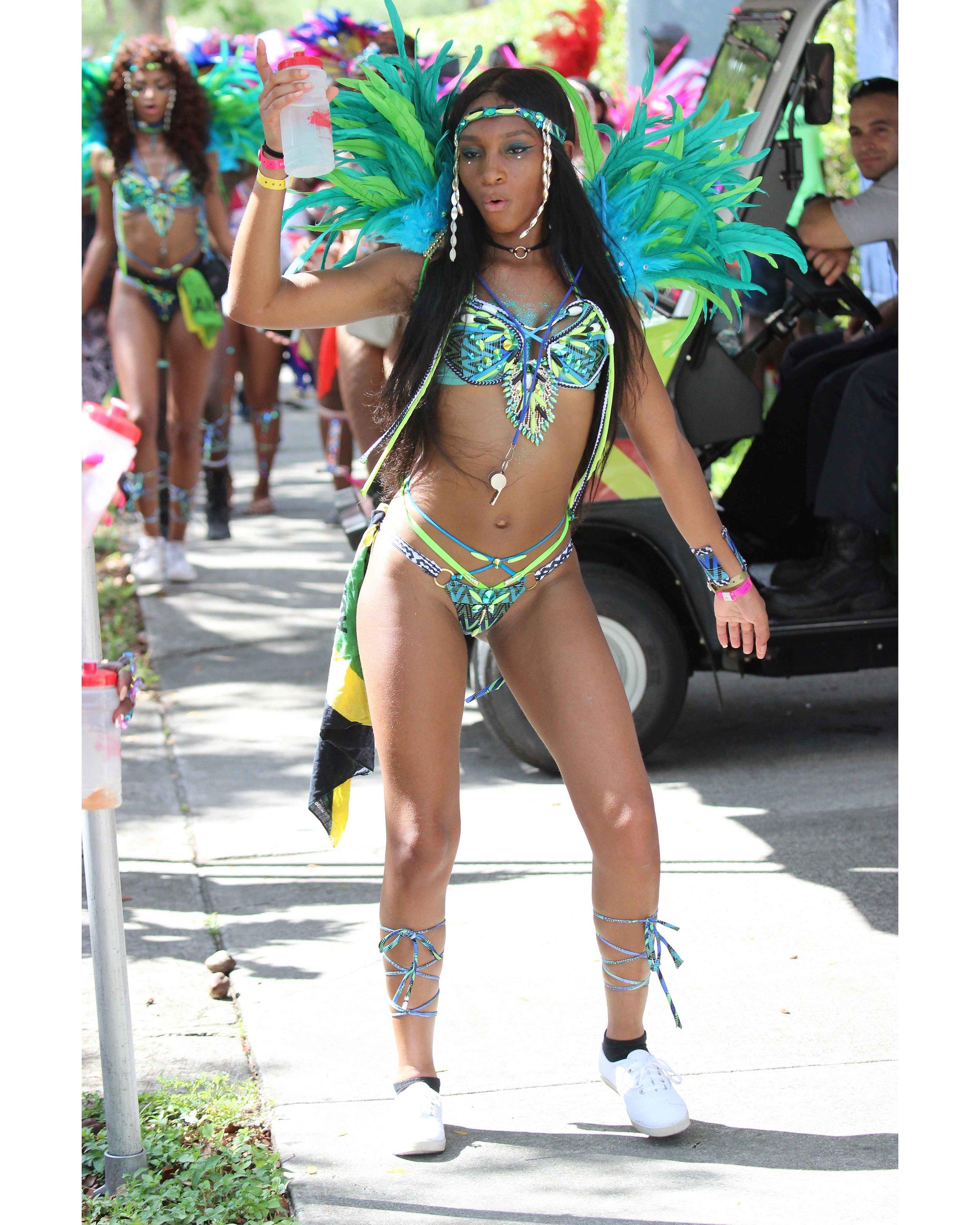 MiamiBro Carn17_1849_08-10-17-15-17-35enh.jpg