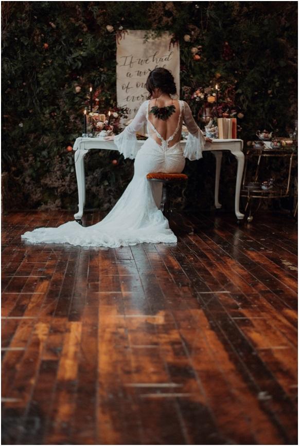 alice-in-wonderland-themed-wedding-dress.jpg