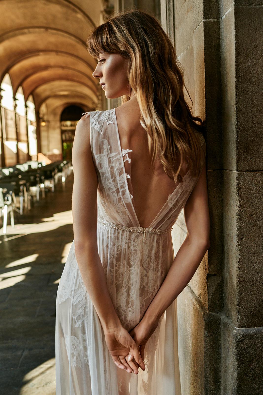 Anna Kara Bridal Gown Lace Tulle.jpg