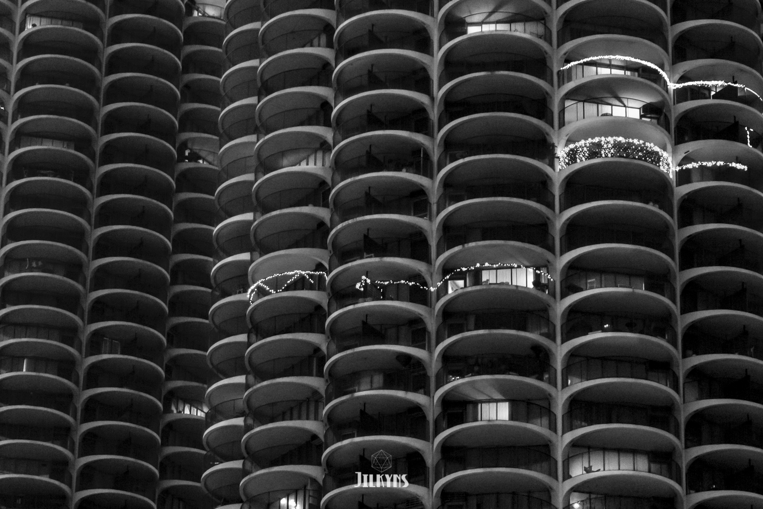 Marina Towers Chicago photo by Jilkyns