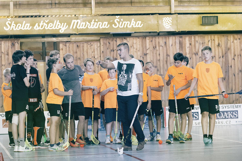 Přední extraligový střelec Martin Šimek předává své zkušenosti našim hráčům.