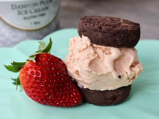 ice-cream cookie sandwich