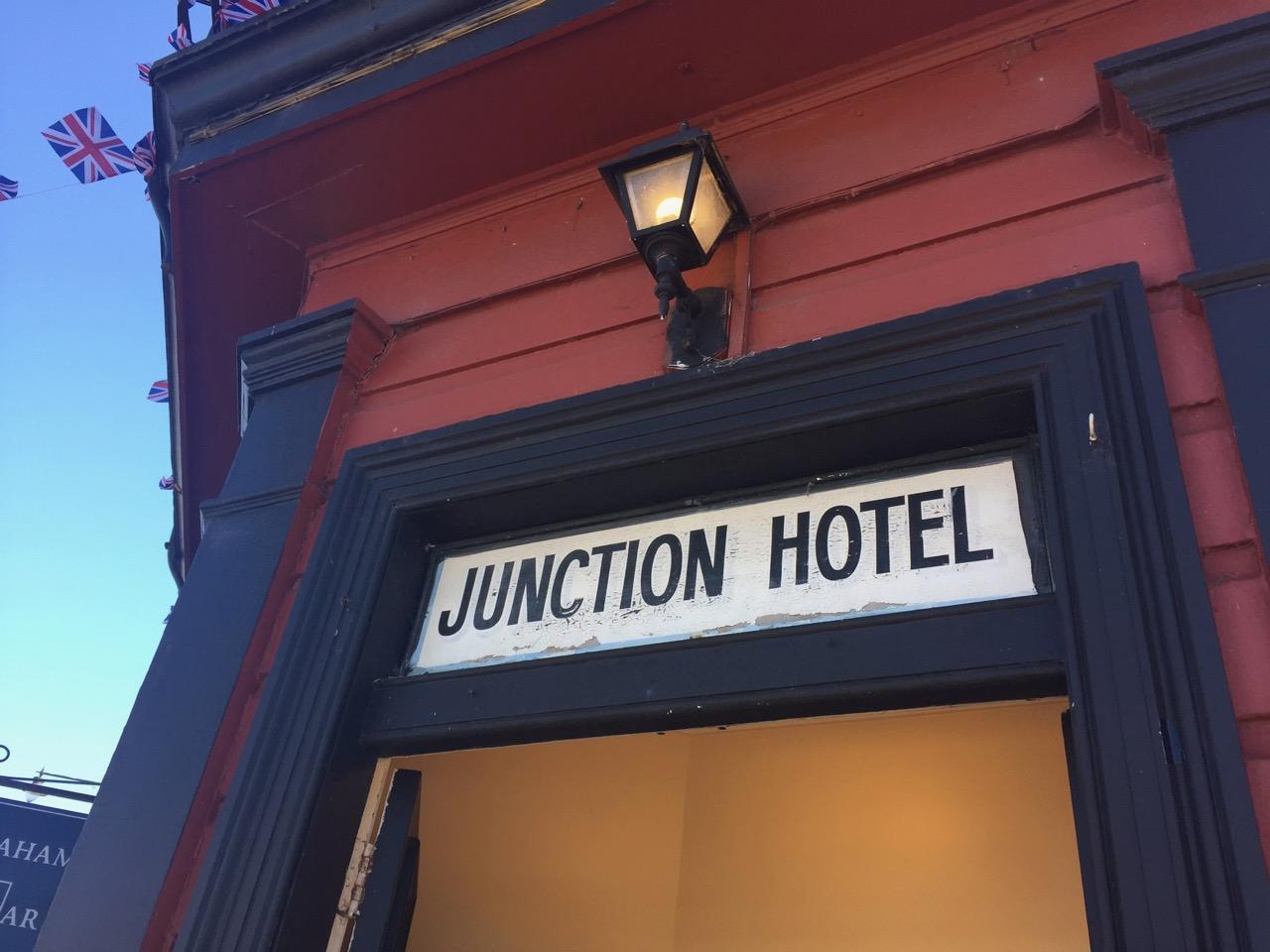 Junction Hotel, Thames