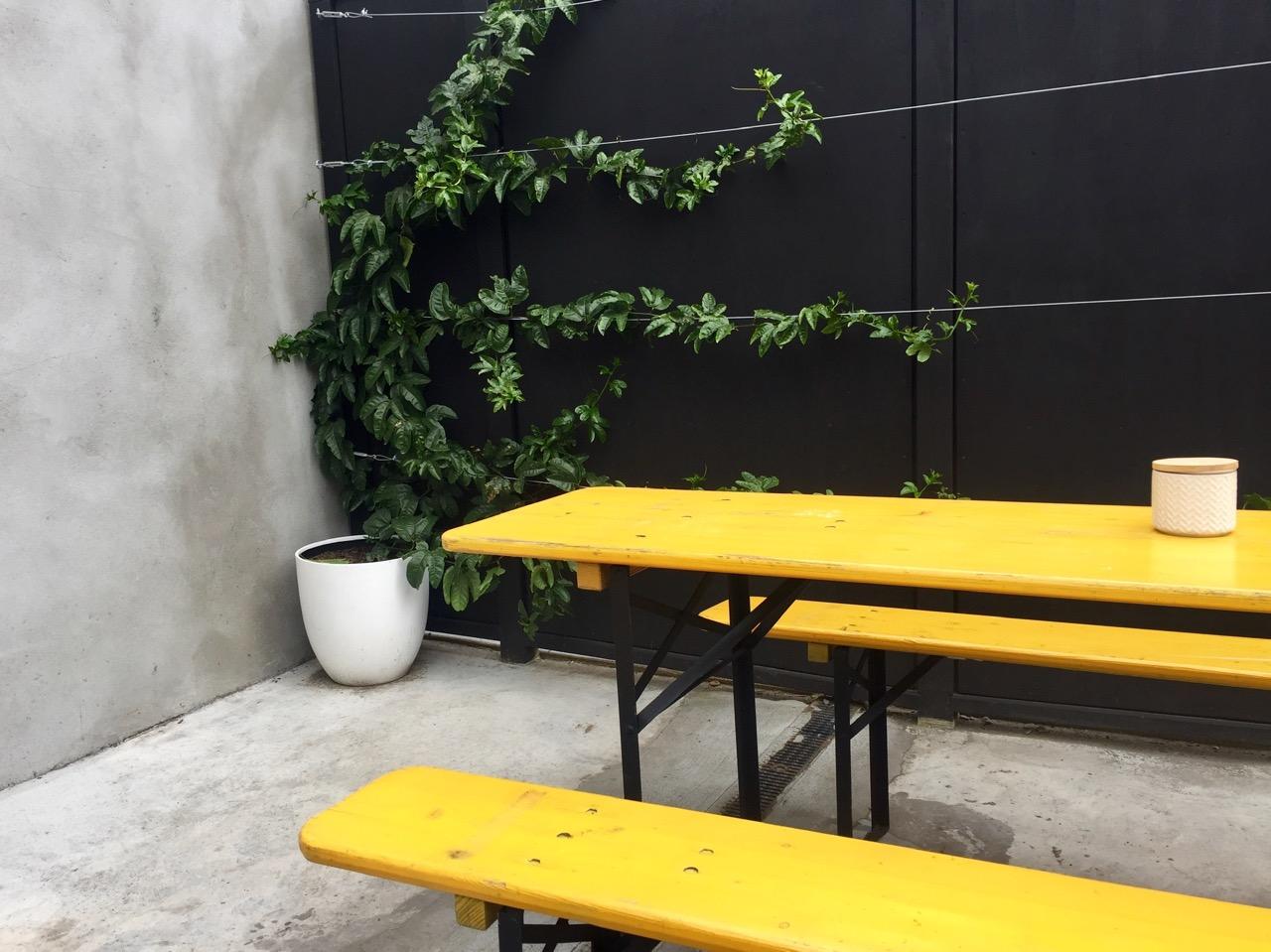 Cupple yellow courtyard