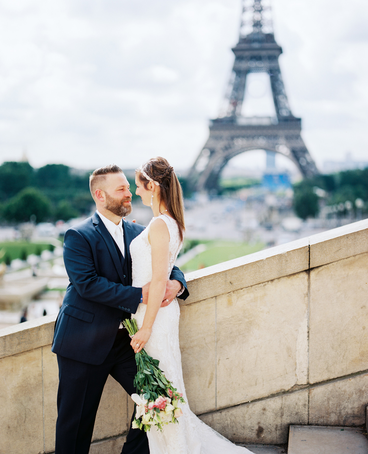 paris wedding photographer trocadero elopement photography.jpg