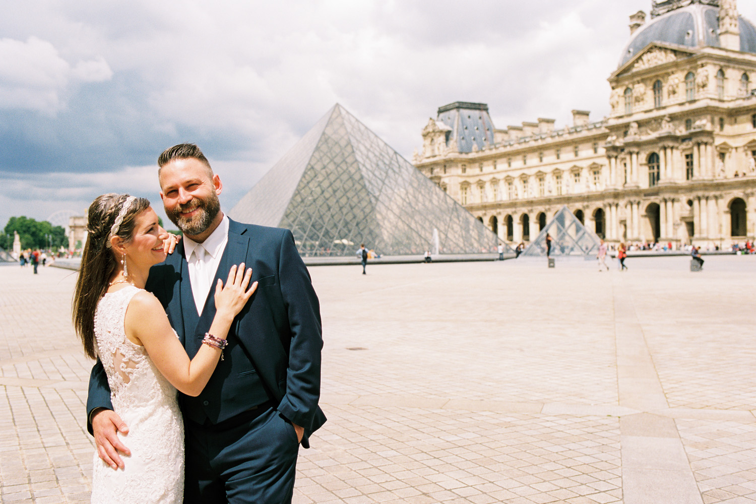 wedding couple at the louvre in paris elopement.jpg