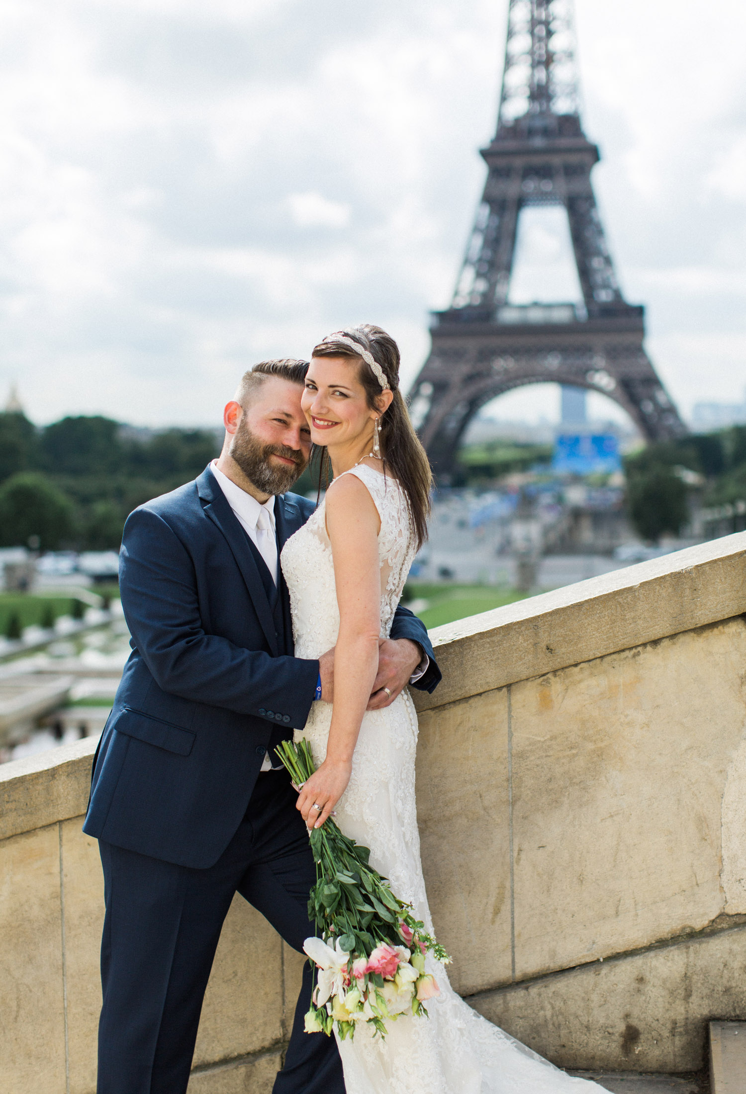 paris wedding elopement photographer trocadero bride and groom by Alexandra Knight Photography