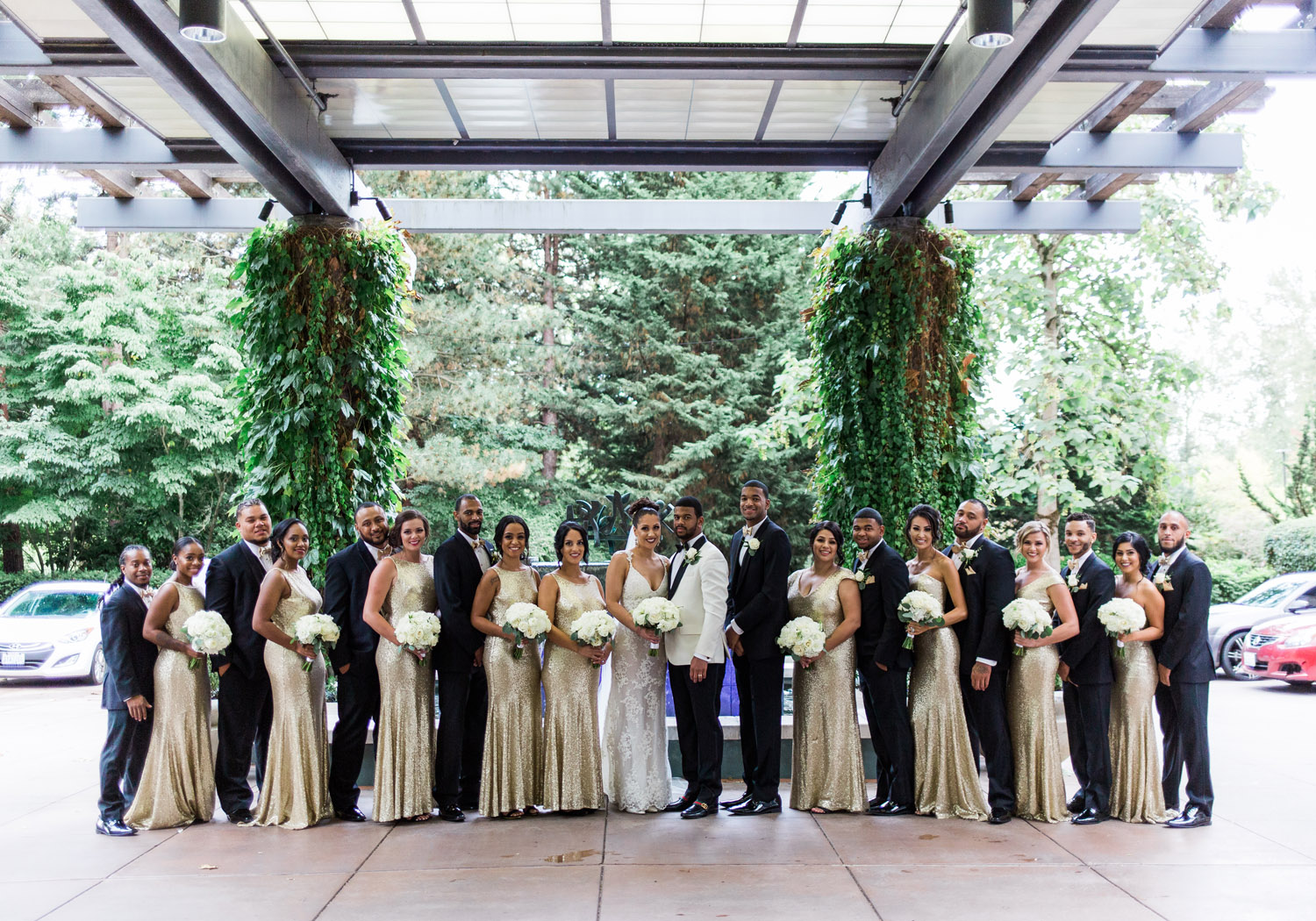 Black and Gold Bellevue Club Wedding Photography
