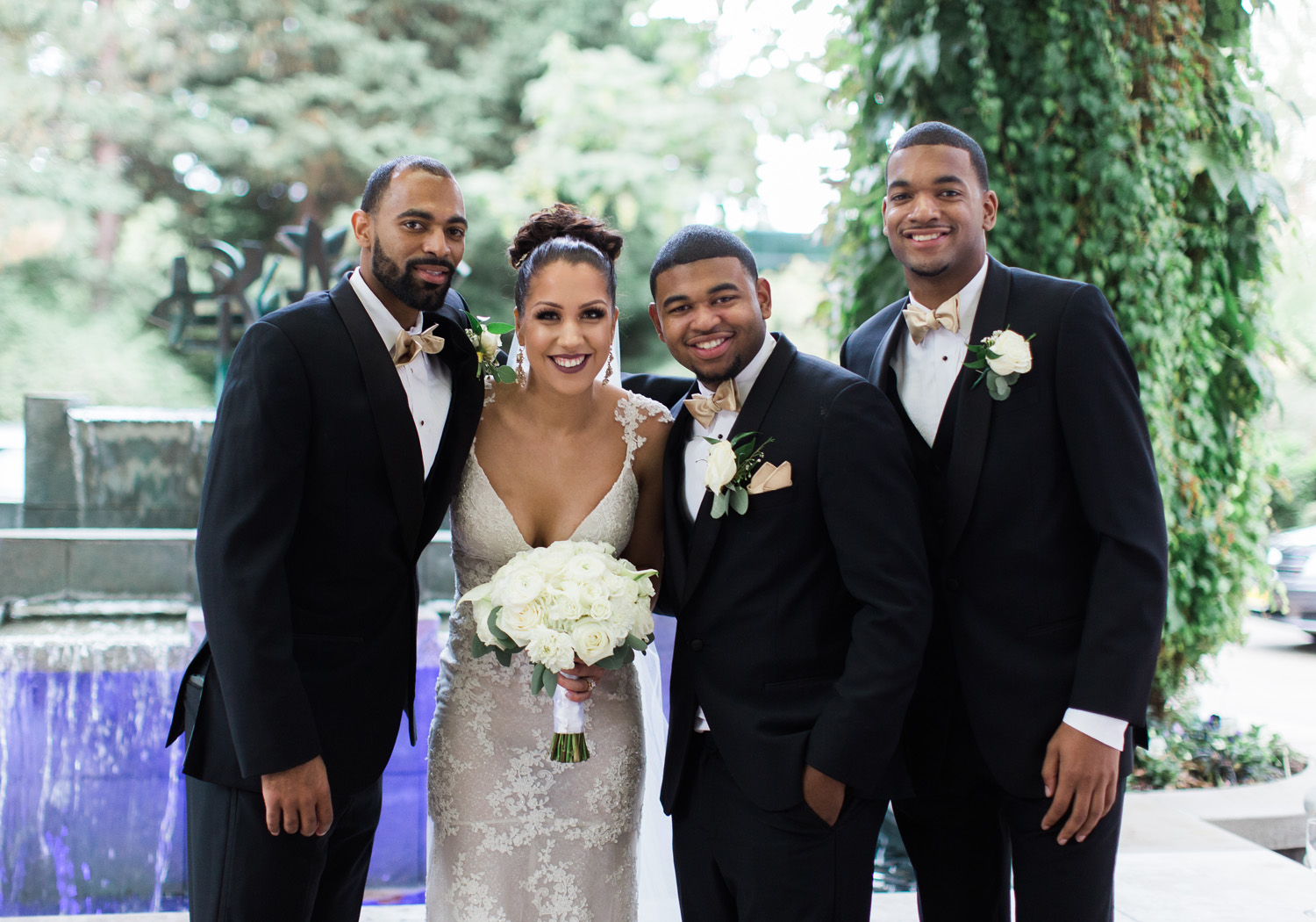 bride and groomsmen seattle wedding bellevue club venue.jpg
