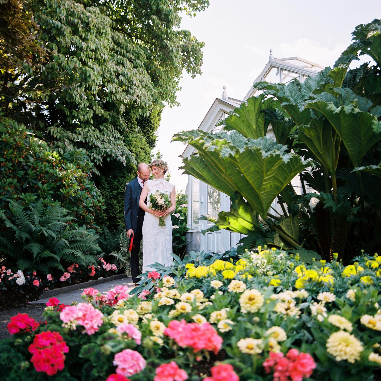 seattle volunteer park conservatory small wedding elopement seattle bride.jpg