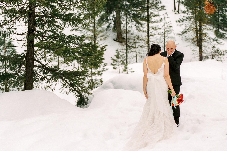 Sleeping Lady Winter Wedding Bride and Groom First Look.jpg