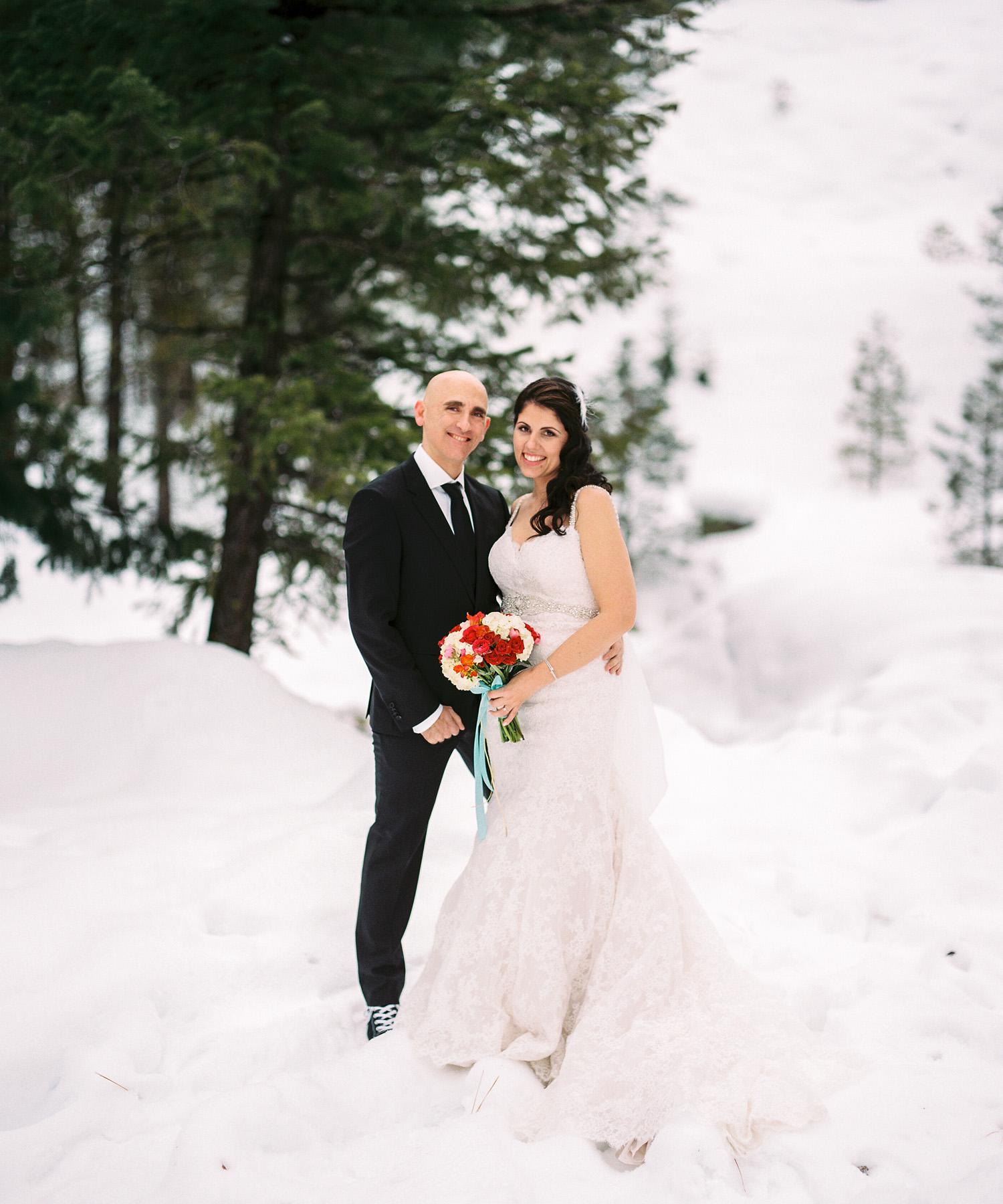 Sleeping Lady Resort Winter Wedding Leavenworth Washington.jpg