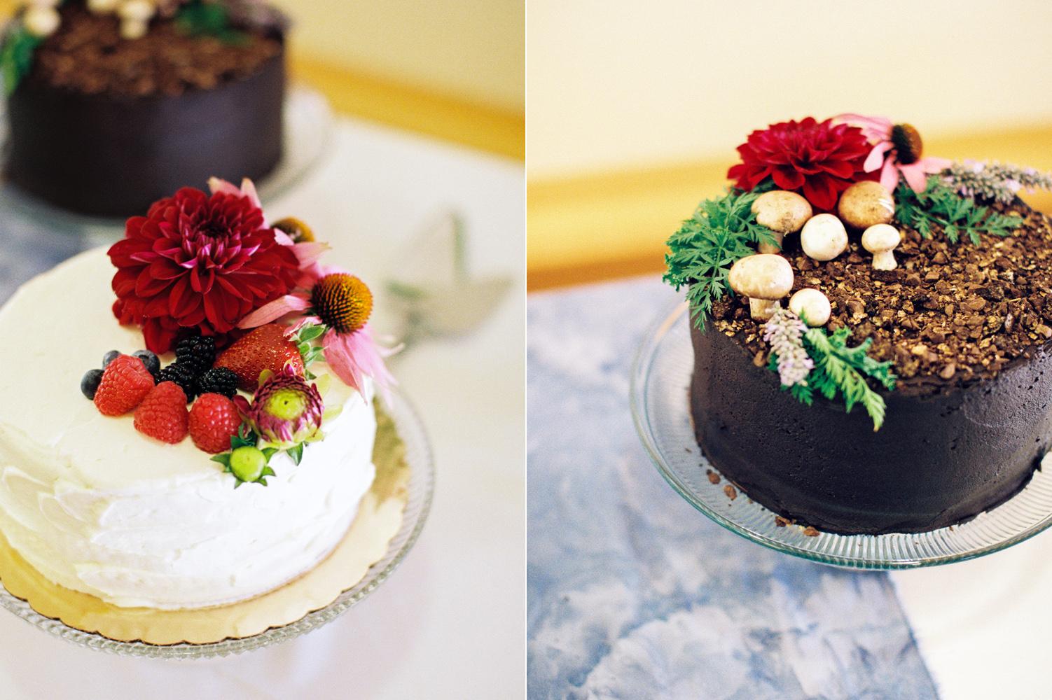 DIY Wedding Cake PNW Wedding Photography.jpg