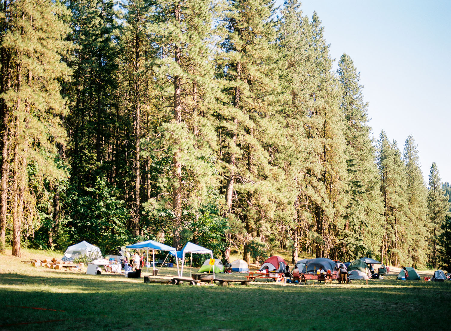 leavenworth summer campground wedding photography.jpg