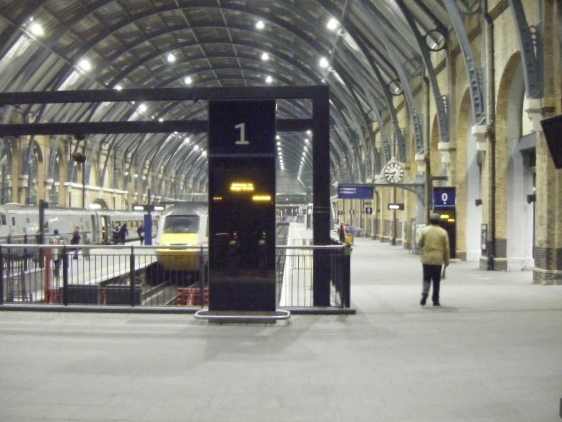 king's cross station at rush hour